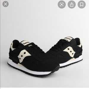 Vegan Saucony Shadow black and white size 8.5